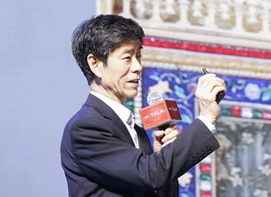 故宫钟表修复师王津:43年收了4个徒弟