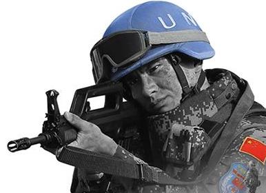 《蓝色防线》 许多镜头是维和战士拍摄